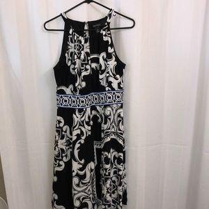 White House Black Market slip on dress. Size M.
